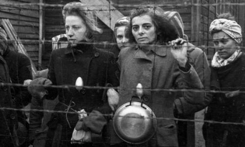 Женщины во время Холокоста