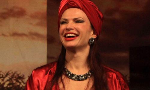 Эвелина Бледанс раскрыла реальные зарплаты театральных актеров в России